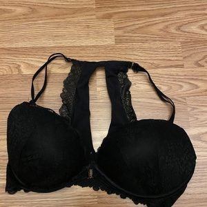 Black light push up bra
